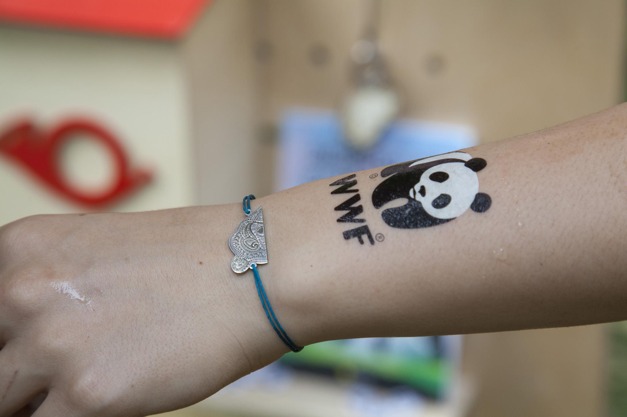 wwf logo tatuaj